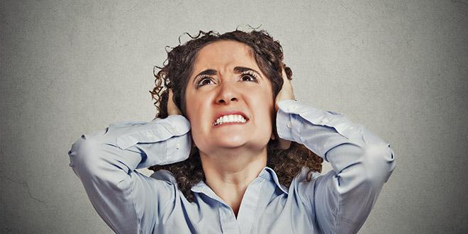 22 vzrokov za šumenje v ušesih